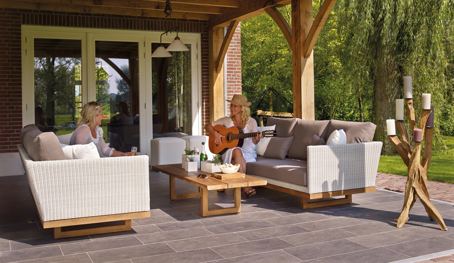Automate the Outdoors: entertaining outdoors, outdoor audio, outdoor automation, outdoor tv,