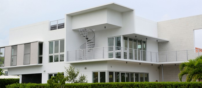ENERGY-EFFICIENT HOME CONTROLS LIGHTING AND SOLAR WITH A HIGH-TECH TWIST: florida, miami, smart-home-stories,