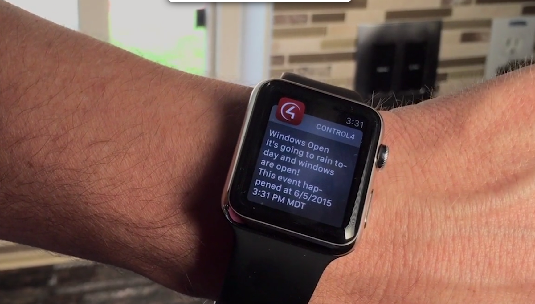 Alerts from your Smart Home on your watch and mobile! [VIDEO]: alerts, push notifications, safety, security, smart home,